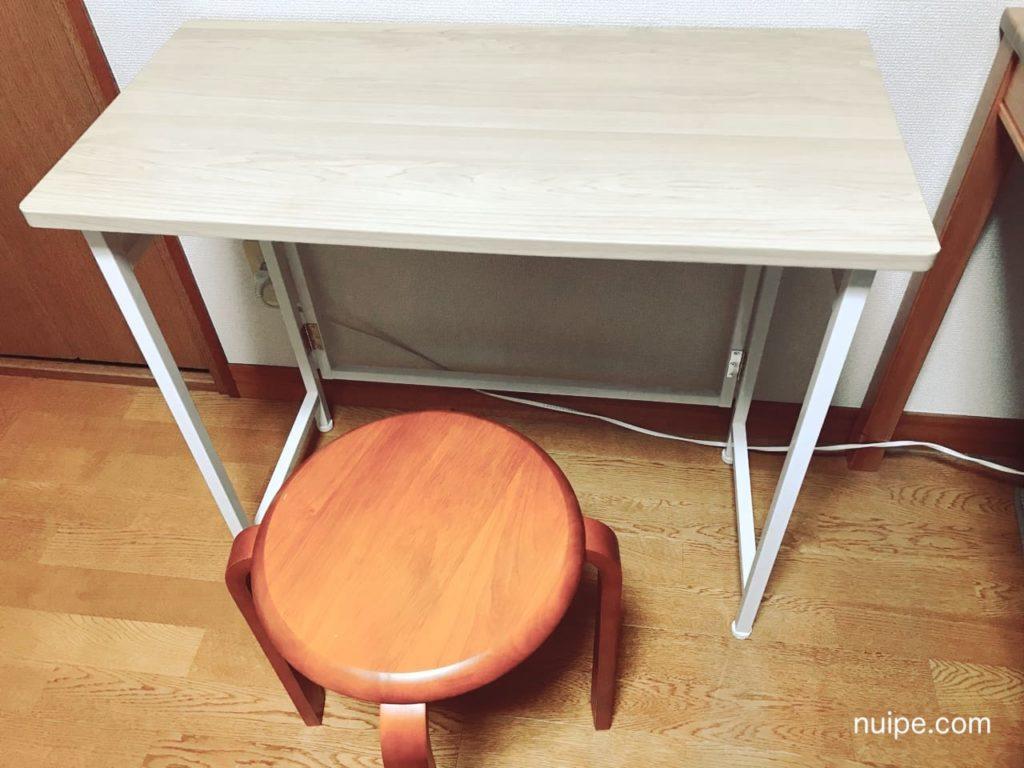 ミシン用のテーブルとイス