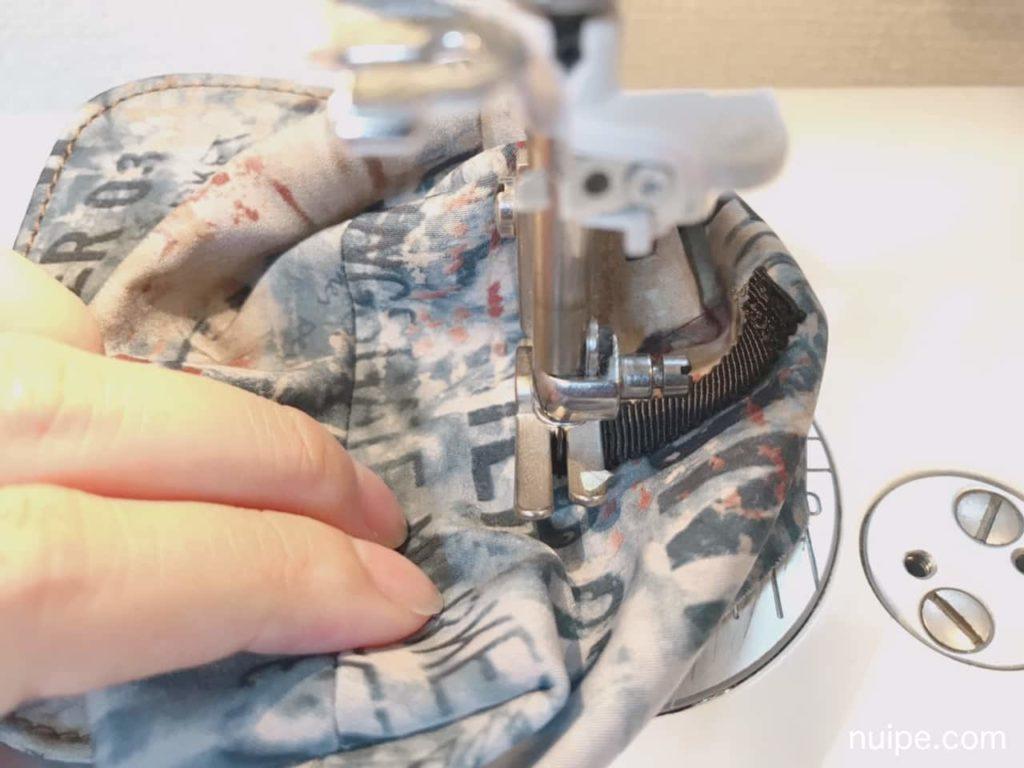 リボンを縫う