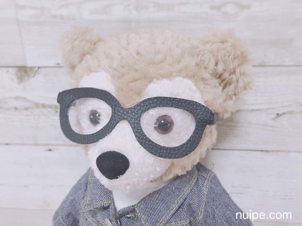 メガネをかけているダッフィー