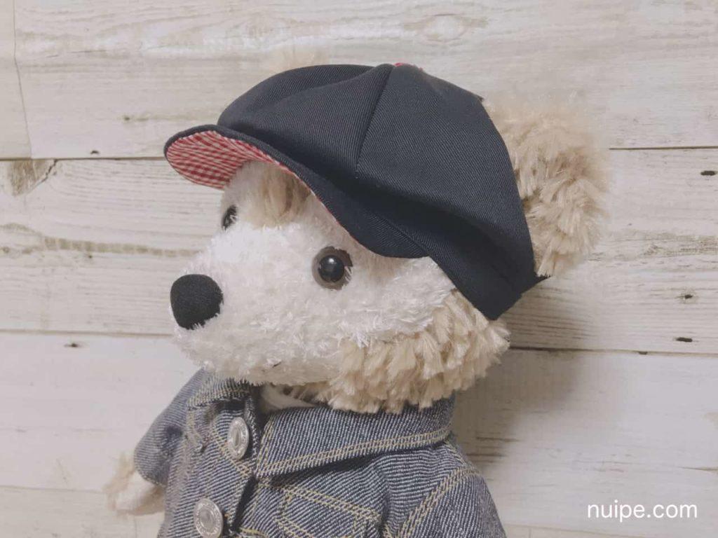 帽子をかぶったダッフィー