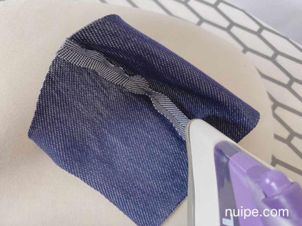縫い代をアイロンする