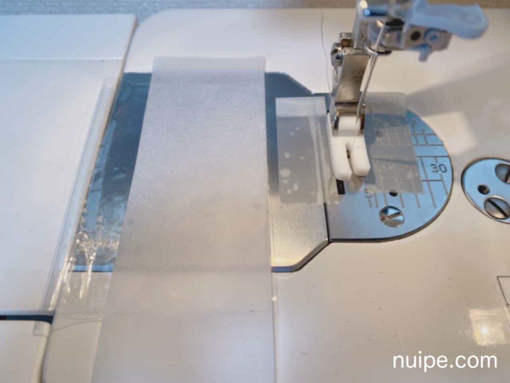 トレーシングペーパーを使ったビニールの縫い方