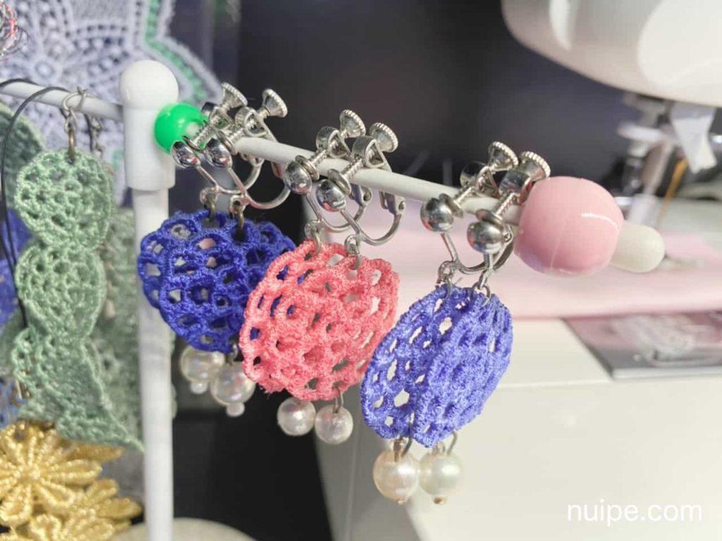 刺繍をモチーフにしたイヤリング